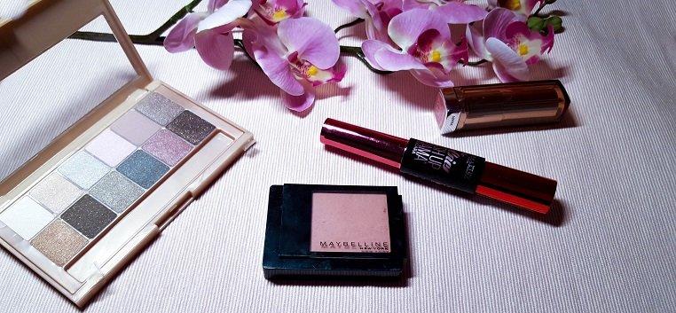 Maybelline New York Bare It All Beauty Box mit vier verschiedenen Produkten