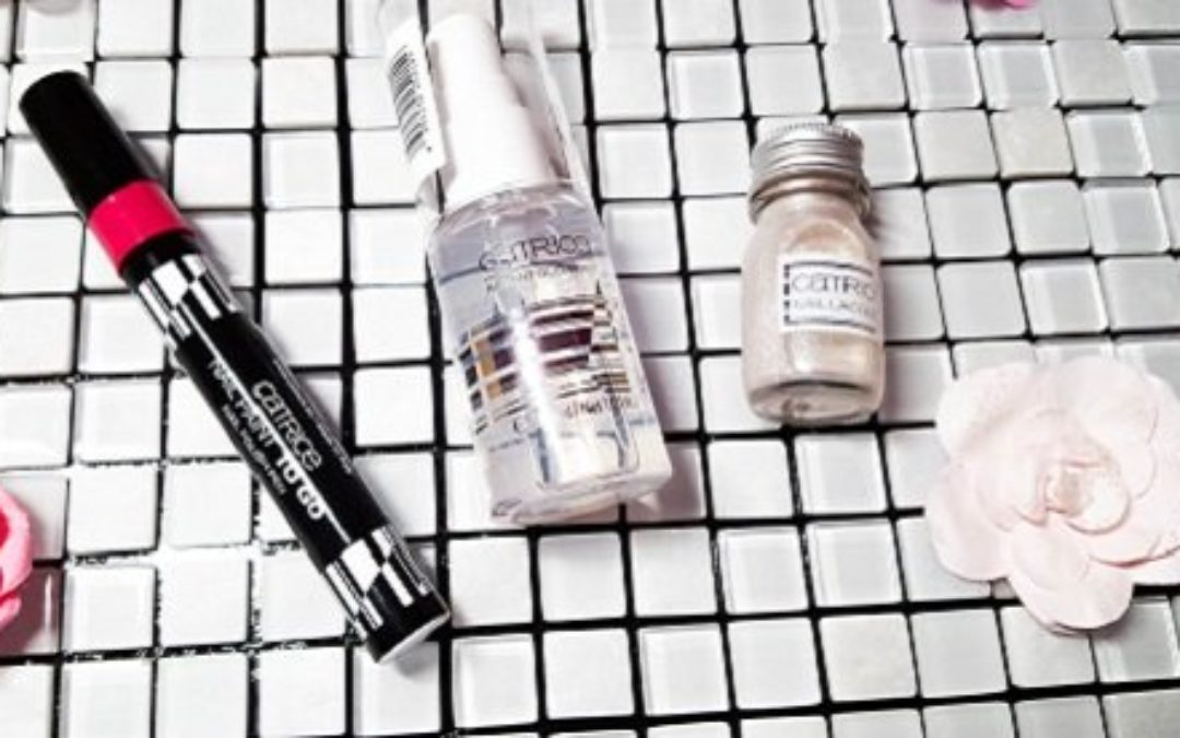 """Review: Catrice LE """"Travelight Story"""" & """" Nail Paint To Go"""""""