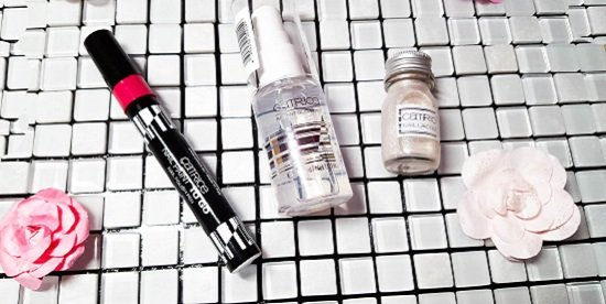 drei Produkte aus der Travelight LE und Nail Paint To Go Catrice