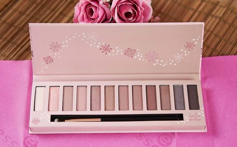 essence winter dreamin eyeshadow palette
