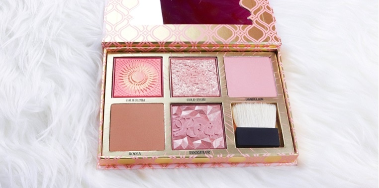 blush bar Palette von benefit