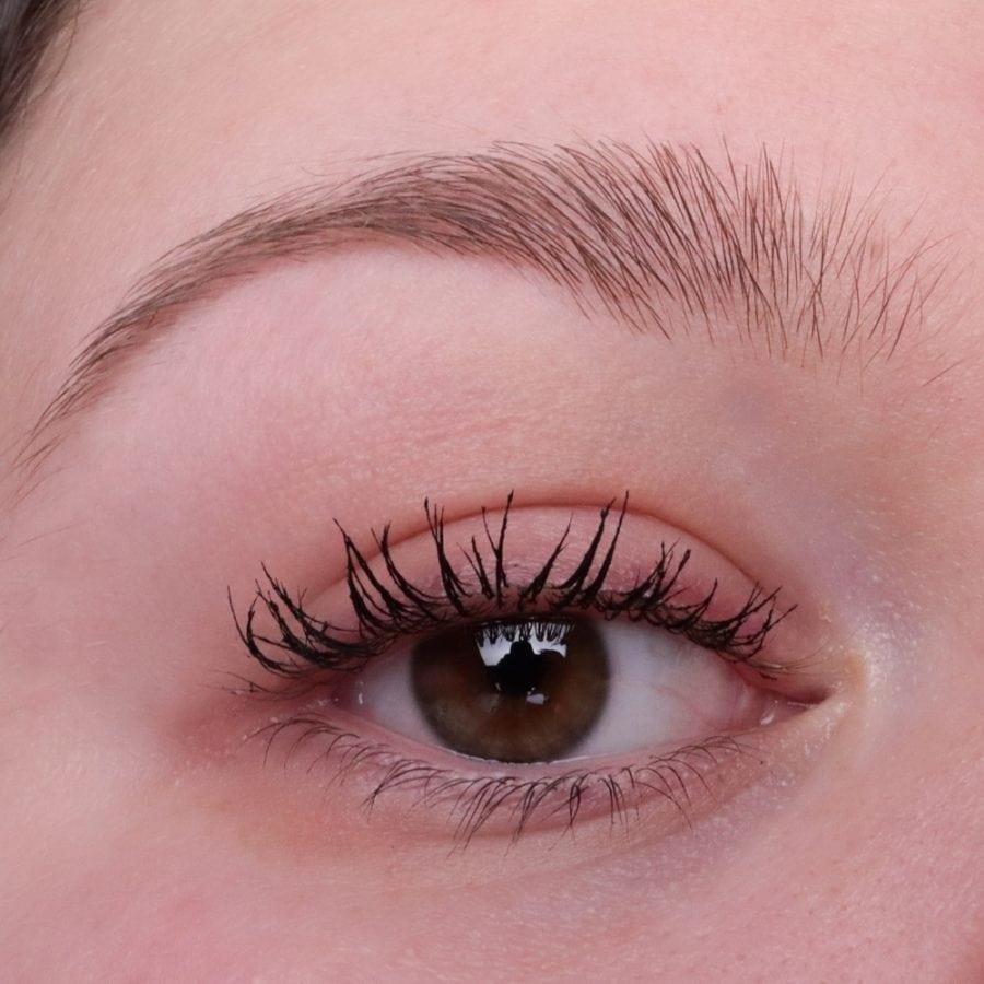 Benefit Augenbrauen nicht geschminkt