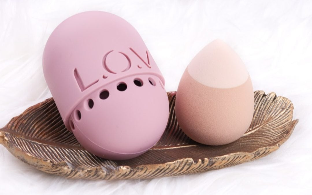 L.O.V 2 in 1 Foundation & Concealer Sponge + Sponge Case