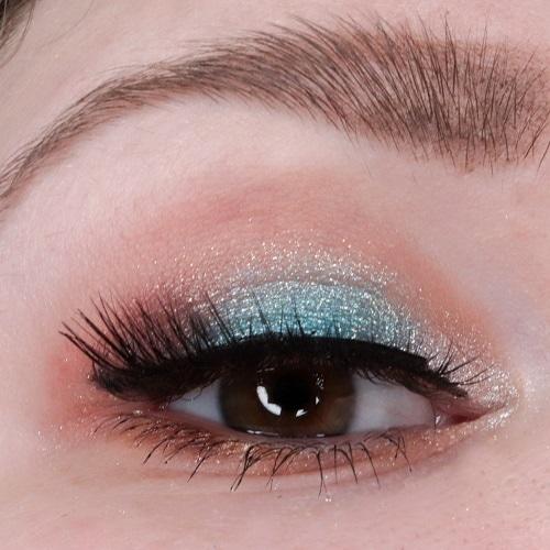 Tansation Make A Wish, Little Fish Eyeshadow Palette von essence AMU