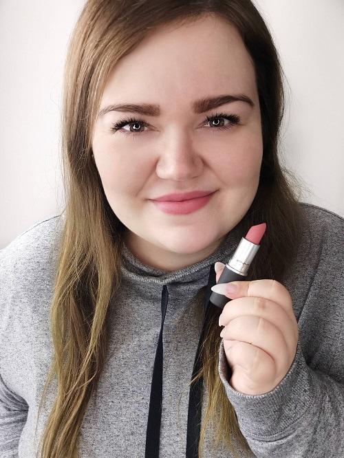 MAC Cosmetics Powder Kiss Lipstick sultriness